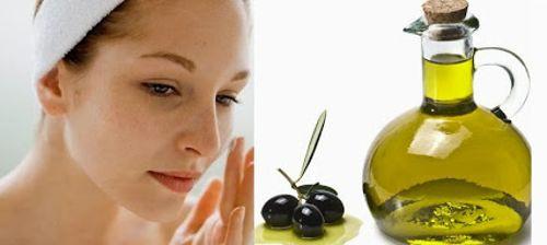 aplicar-aceite-de-oliva-al-rostro