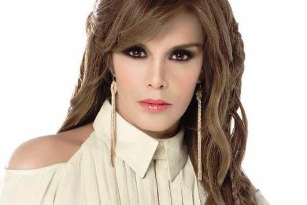 Lucía Méndez...