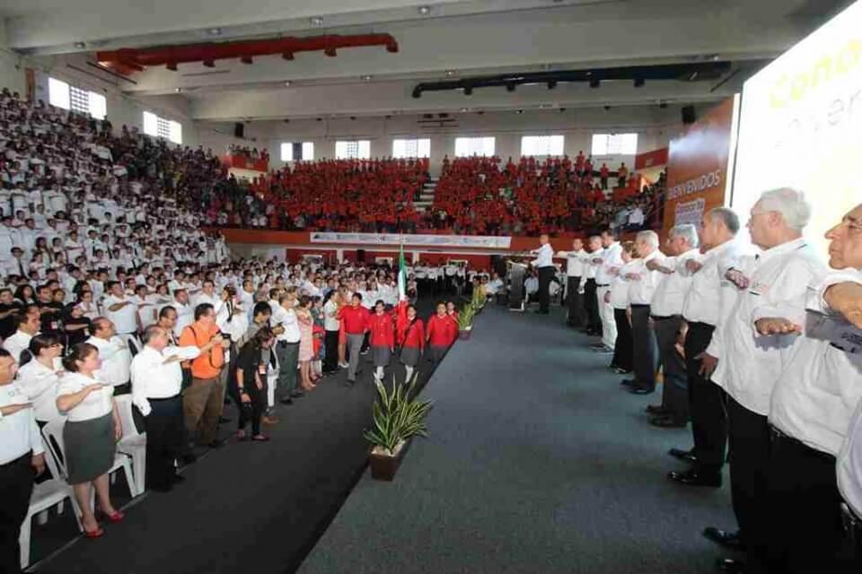 Foto 2 Bienvenida rector