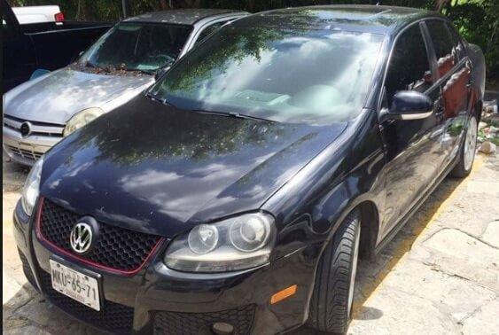 El automóvil Bora que utilizaban para cometer los ilícitos