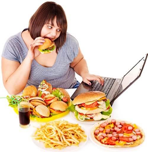 Consecuencias de comer en exceso comida chatarra